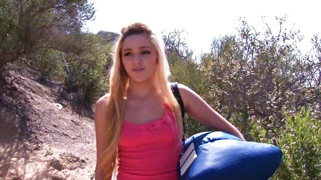 Strzelaj darmowe filmiki erotyczne mamuski do siebie przed kamerą